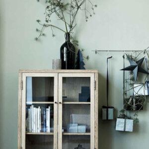House Doctor harmony vitrineskab træ
