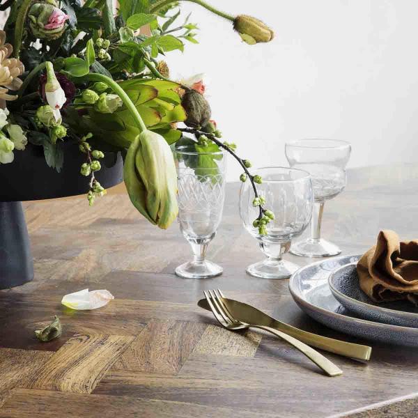 Kant spisebord sildebensmønster fra House Doctor