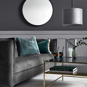 Sofa i grå velour. Grå velour sofa fra Nordal.