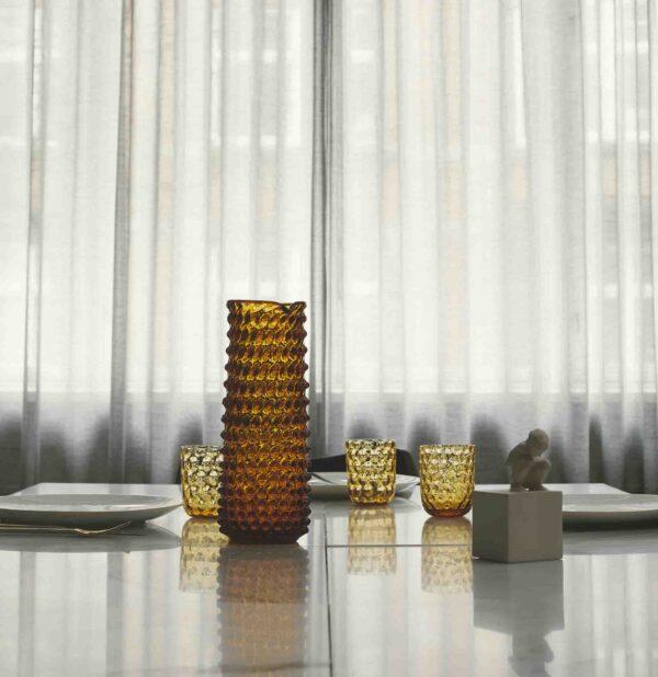 Drikkeglas big drops amber fra Kodanska. Mundblæst drikkeglas