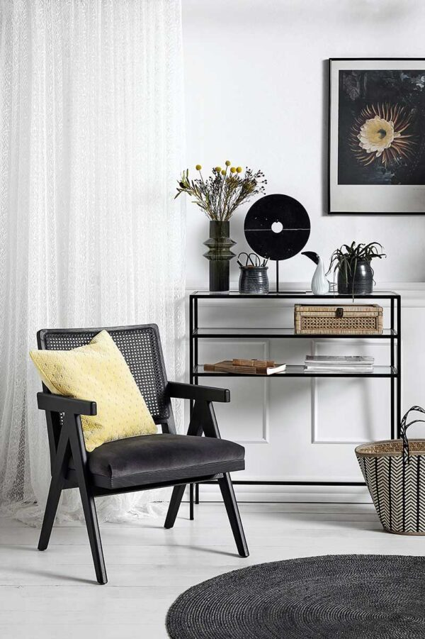 Hall konsolbord i sort jern fra Nordal. 3 glashylder.