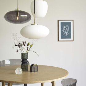Hübsch rundt spisebord i egetræ Ø115 cm