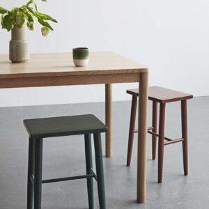 Hübsch spisebord i egetræ 140x80 cm