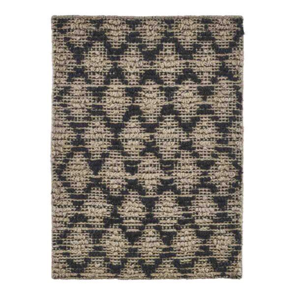 House Doctor Harlequin dørmåtte i natur og sort. Fremstillet i jute med gummi bagside. 50x70 cm