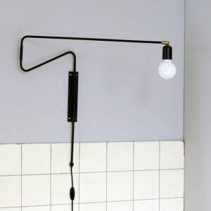 House Doctor swing væglampe 70 cm i sort