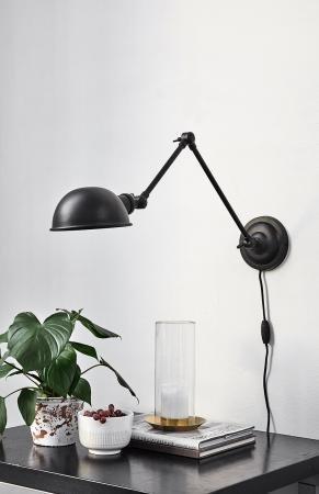 Nordal Aura væglampe i sort - industrielt look