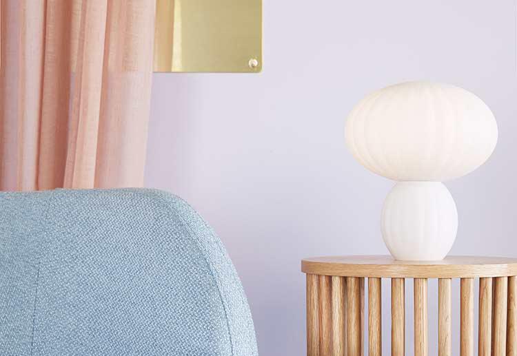 Hübsch bordlampe i hvid glas