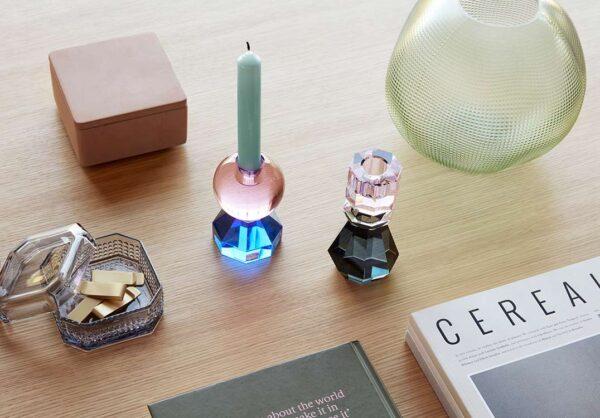 Hübsch lysestage i krystal i lyserød og grå