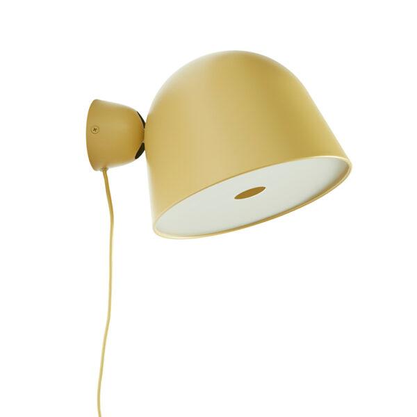 Kuppi væglampe i sennepsgul metal