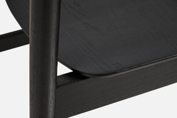 WOUD Pause spisebordsstol i sort malet egetræ