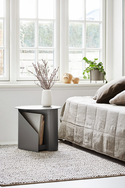 WOUD pidestall taupe urtepotte small i metal