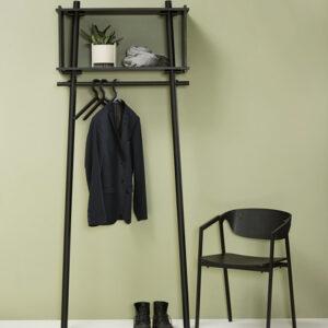 Woud töjbox garderobe i sort eg small