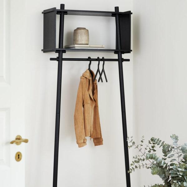 Woud töjbox garderobe i sort eg large