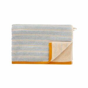 Hübsch håndklæde 50x100 cm i sand, blå og orange nuancer. Øko-tex certificeret bomuld.