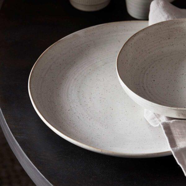 House Doctor Pion tallerken i hvid og grå porcelæn