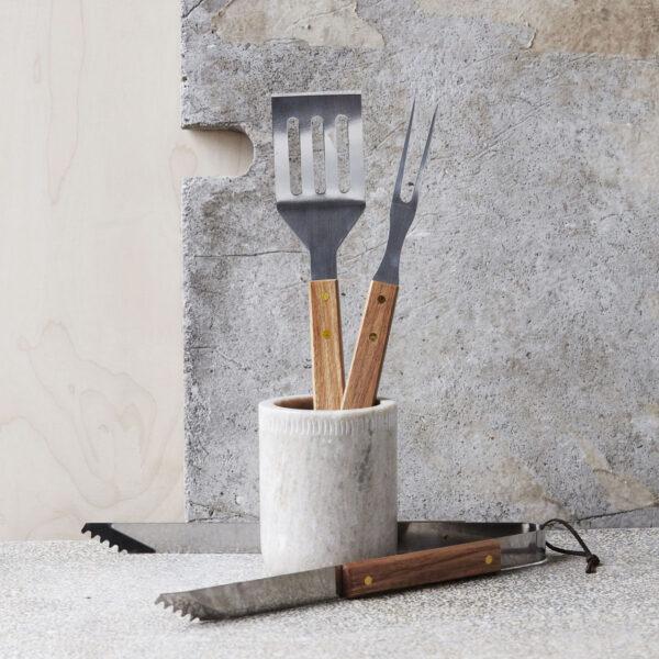 BBQ værktøj fra Nicolas Vahe i akacie
