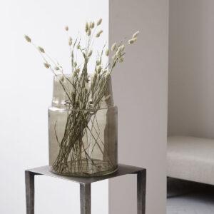 House Doctor Airy vase i grå glas