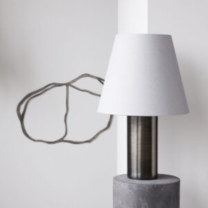 Bakora bordlampe fra House Doctor med antik metallisk finish