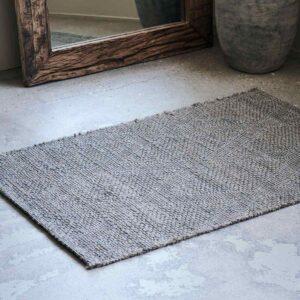 House Doctor mara gulvtæppe 130x85 cm i grå jute