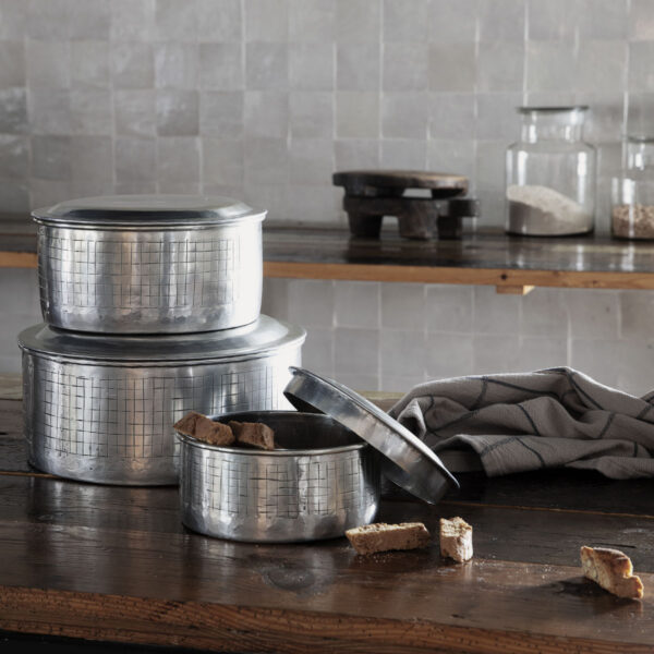 Noova opbevaring med låg fra House Doctor i sølv