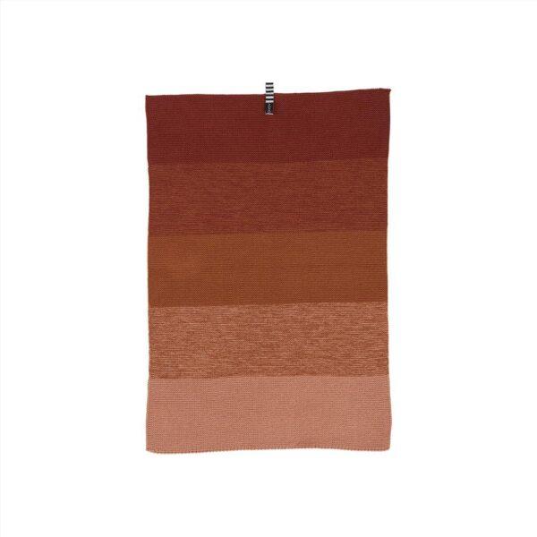 Niji mini håndklæde fra OYOY i mørk karamel