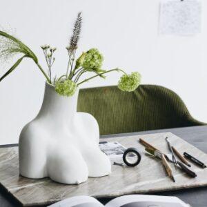 AVAJI vase fra Nordal i hvid