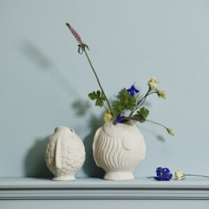 DUCIE fiske vase fra Nordal i hvid med størrelsen small