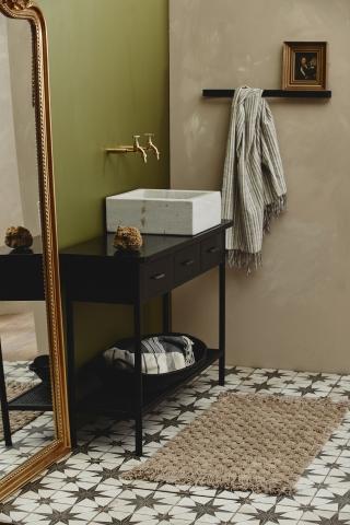 LUNA badeværelsesmåtte fra Nordal i lys brun