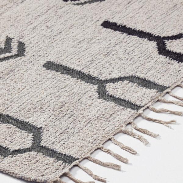 Arte tæppe fra House Doctor i råhvid
