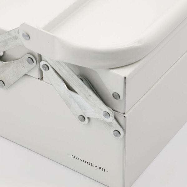 Optimus værktøjskasse fra Monograph i hvid