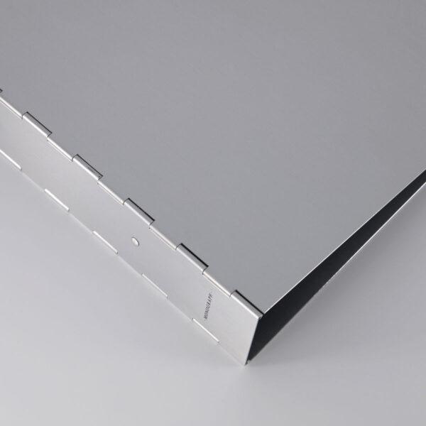 ringbind fra Monograph i grå aluminium