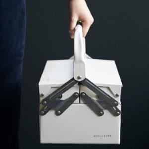 Optimus hvid værktøjskasse fra Monograph
