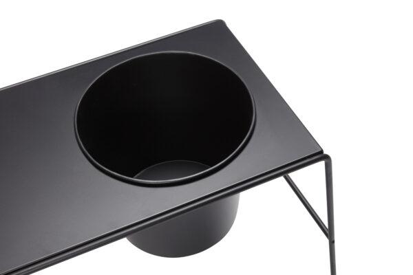 Bord med potte fra Hübsch i sort metal