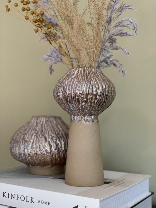 Sporut vase fra Eden Outcast i lav