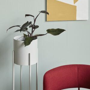 Plantestander fra Hübsch i grå metal