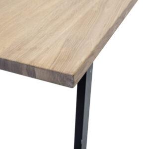 Cozy skrivebord fra Bloomingville i natur