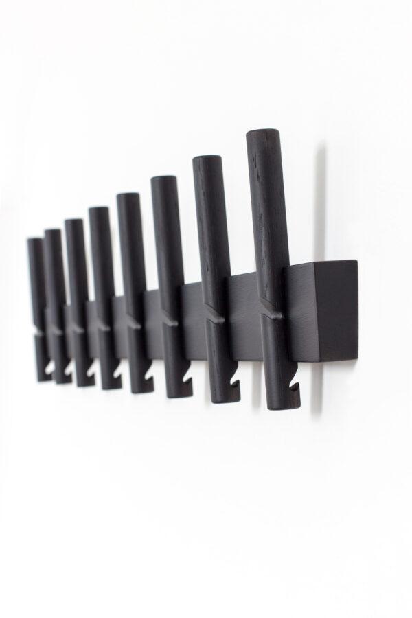 Reces knagerække fra Roon & Rahn med 8 knager i sort