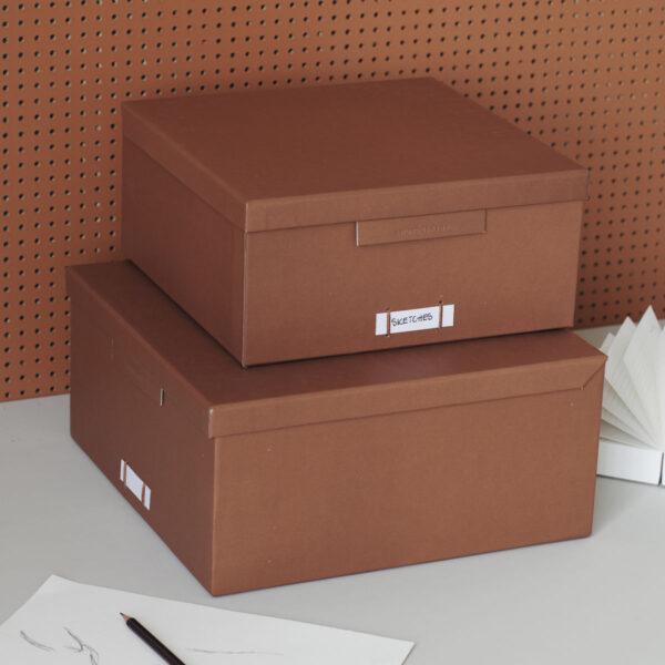 File æsker med låg fra Monograph i cognac
