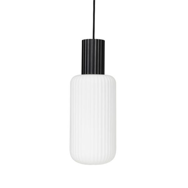 Lolly loftlampe fra Broste Copenhagen i sort og hvid af den aflange