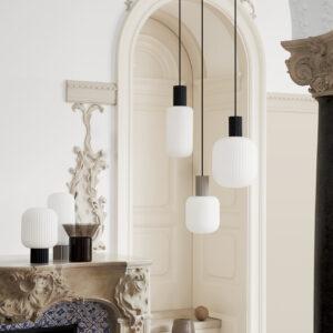 Lolly bordlampe fra Broste Copenhagen i sort og hvid lav