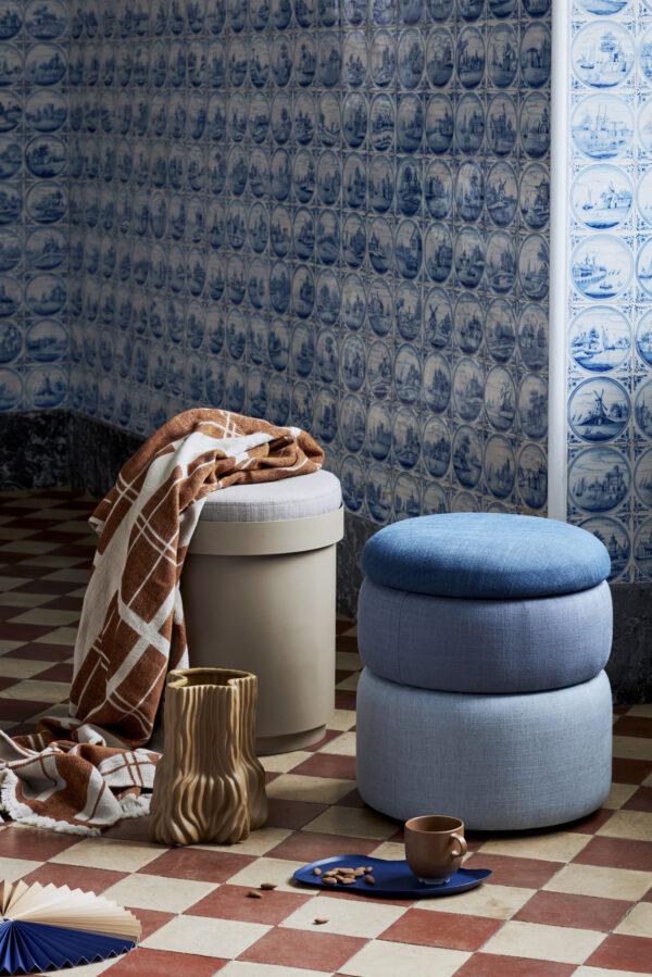 Pond puf fra Broste Copenhagen i blå nuancer