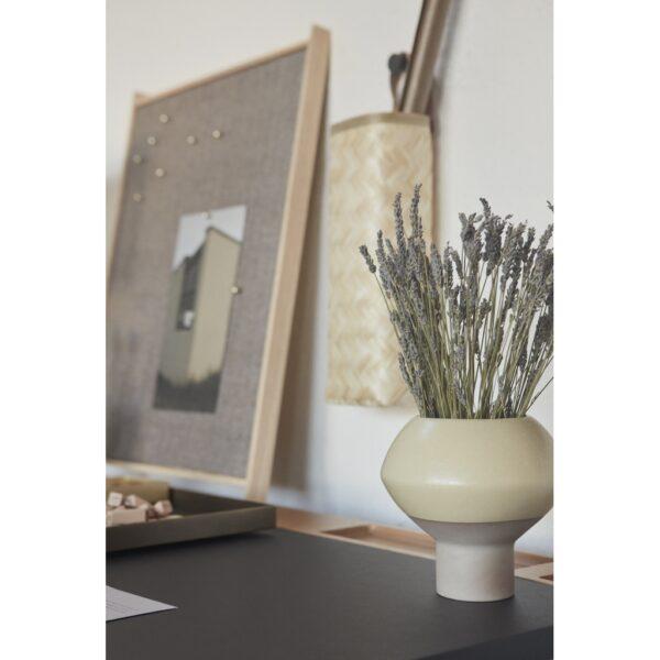 Hagi vase fra OYOY i støvet gul