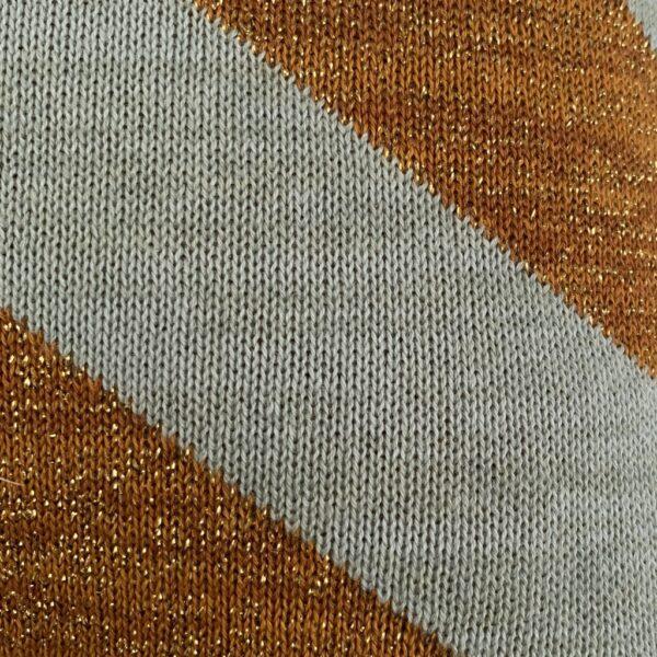 Takara Cushion puder fra OYOY i karamel og mint