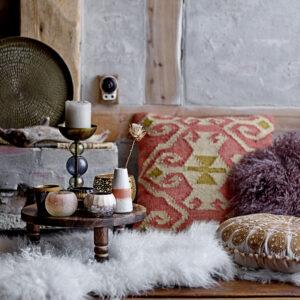 Nanu skind fra Bloomingville i hvid mongolsk lammeskind