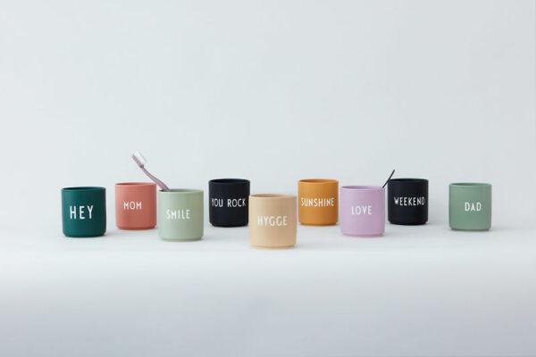 Design Letters favorit kop kiss i mørk rosa
