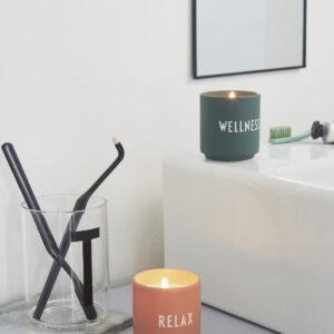 Duftlys wellness fra Design Letters i mørkegrøn